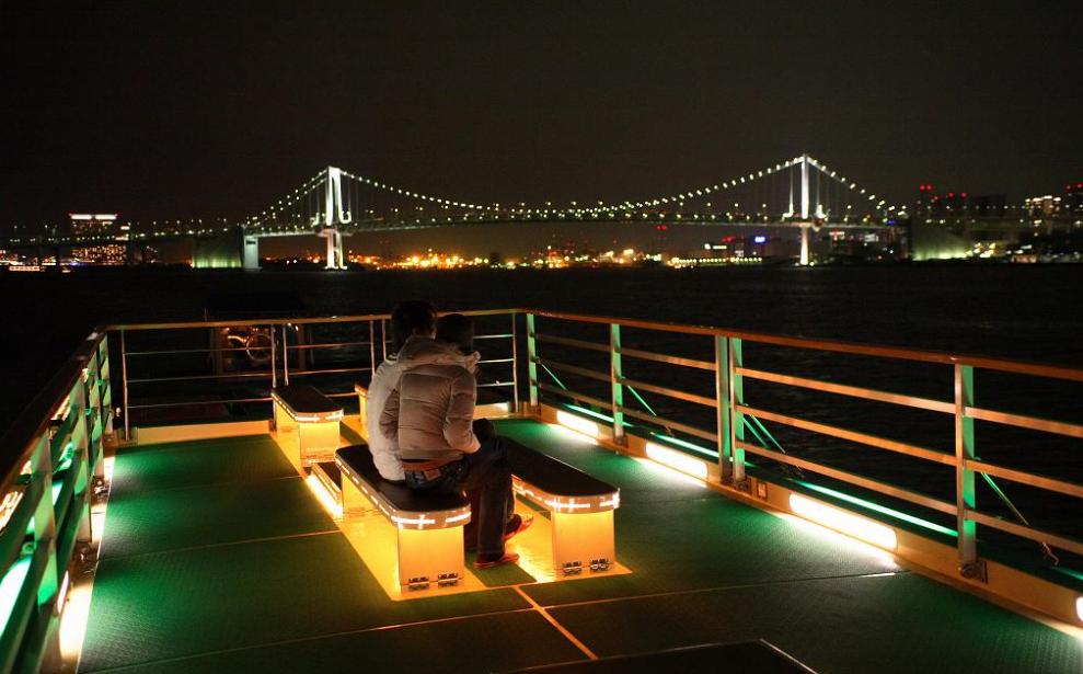 船清のスカイデッキで東京の夜景を