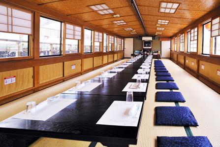 東京の釣新丸の船内