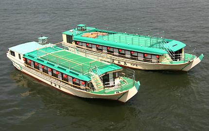 あみ貞の貸切屋形船