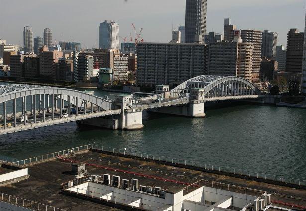 東京のかちどき橋の全景写真