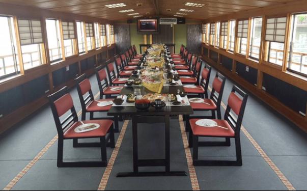 東京の屋形船イステーブル席空席